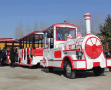 景区当中的观光小火车