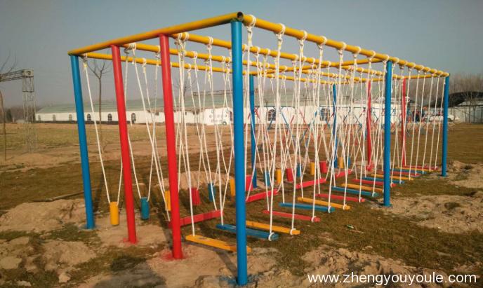 体能乐园类——吊桩组合